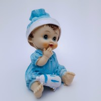 Figurina bebelus baietel cu biberon