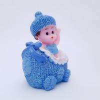 Figurina bebelus baietel in carucior