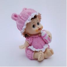 Figurina bebelus fetita cu biberon